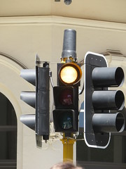 2016 Perth Tour - Braums pedestrian signal with flashing yellow light (RS 1990) Tags: perth westernaustralia wa australia december 2016 tour holiday braums trafficlight signal pedestrian