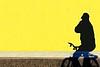 Chiuditi che fa freddo (meghimeg) Tags: 2017 ombra shadow sole sun giallo yellow uomo man bici bicicletta bike muro wall