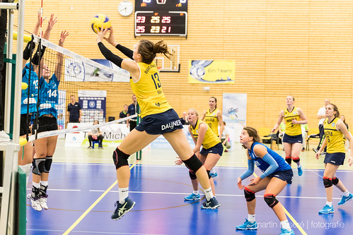 "3. Heimspiel vs. Volleyball-Team Hamburg • <a style=""font-size:0.8em;"" href=""http://www.flickr.com/photos/88608964@N07/32003259843/"" target=""_blank"">View on Flickr</a>"
