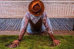 Crédito: Lucas Fractal (100Flash) (lucasfractal) Tags: man black negro blackpower countryboy bluesman blues bluesky calor summer verão raining sun show live sugarkane rua fotografia ensaio senssual masculino glasses fitness rio piracicaba interior saopaulo hat chapeu cores hotcolors