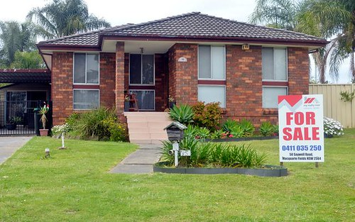 15 Lillas Place, Minto NSW 2566