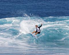 _N7A1722_DxO (dcstep) Tags: volcompipepro worldsurfleague bonzaipipeline bonsaipipeline northshore oahu hawaii canon5dmkiv ef500mmf4lisii ef14xtciii handheld allrightsreserved copyright2017davidcstephens surfing contest tournament ocean waves pipeline barrel copyrightregistered04222017 ecocase14949772801