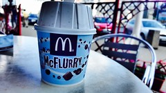 Mcflurry! #McDonalds #kitkat #Mcflurry #burger #icecream (ilinca_francesca) Tags: burger mcdonalds mcflurry icecream kitkat