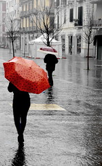 [ Sotto due ombrelli - Under two umbrellas ] DSC_0160.2.jinkoll (jinkoll) Tags: street city trees winter red woman girl rain silhouette umbrella reflections walking square town back cosenza
