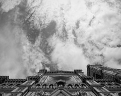 Florence sky II (p2-r2) Tags: sky blackandwhite italy film church clouds florence nikon fuji cathedral 400 dome neopan fa nikkor20mmf4