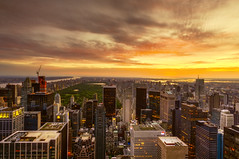 New York City (mudpig) Tags: nyc newyorkcity rooftop skyscraper sunrise centralpark manhattan license vista cloudscape horizonte gettyimages nuevayork orizzonte スカイライン افق cidadedenovayork mudpig stevekelley горизонт קורקיע 지평선 linhadohorizonte lignedhorizon ufukçizgisi ньюйорк أفق ニューヨーク市 天际线 纽约市 thànhphốnewyork न्यूयॉर्कशहर νέαυόρκη kakilangit क्षितिज مدينةنيويورك lavilledenewyork stevenkelley chântrời γραμμήορίζοντα sylwetkanatlenieba เส้นขอบฟ้า licensenow شهرنیویورک เมืองนิวยอร์ก న్యూయార్క్సిటీ latarlangit עירניויורק