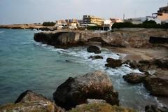 Monopoli-Puglia (monia_art76) Tags: costa mare roccia acqua puglia paesaggio monopoli bagnasciuga formazionerocciosa