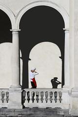Il pranzo di natale (meghimeg) Tags: 2016 lavagna natale christmas weinachten navidad cuoco chef ombra shadow sole sun arco arch architettura colonnato colonne column