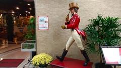 Johnny Walker (troutfactory) Tags: johnnywalker statue figure advertising mascot striding 大阪府 osaka 関西 kansai 日本 japan asuszenfone3 cameraphone digital
