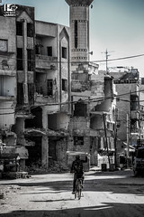 In Syria it's best to keep your head low (Take a look on Syria without propaganda) Tags: ethnic cleansing ethniccleansing syria russia fsa army people civil war civilians hope youth migrate love look black white ride bike displacement distruction mosque crime سوريا حرب اخلاء هجرة تهجير الغوطة الشرقية