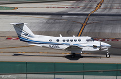 Quinn Company Beech 300 N458Q (birrlad) Tags: losangeles lax international airport california usa taxi taxiway arrival arriving landing landed runway aircraft aviation airplane airplanes turboprops prop n458q beech 300 be30 quinn company
