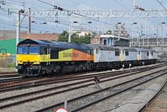 66847 56051 56065 56078 56049 Stafford (British Rail 1980s and 1990s) Tags: class66 class56 colas 0z56 66847 56051 56065 56078 56049 56 train rail railway station diesel loco locomotive type5 livery wcml westcoastmainline lmr londonmidlandregion br britishrail mainline trains liveried traction railways