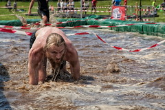 Warrior Dash 2015 (Ren Eriksen) Tags: summer people motion game sports water race speed copenhagen fun denmark jump jumping action fast battle running run racing dirt dash warrior athlete viking sprint danmark kbenhavn followers onslaught valbyparken forhindringslb warriordash mudsweatbeer warriorslide