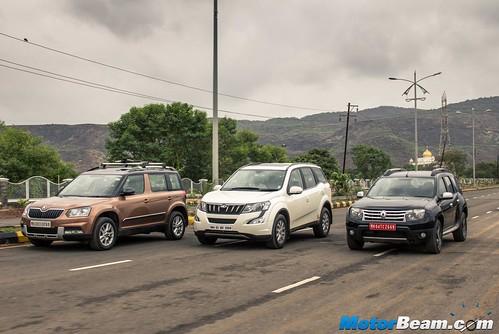 2015-Mahindra-XUV500-vs-Skoda-Yeti-vs-Tata-Safari-Storme-vs-Renault-Duster-AWD-08