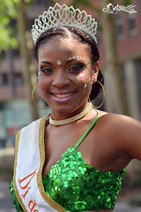 Little Queen@Summercarnaval 2014 (@FTW FoToWillem) Tags: summer portrait people woman color girl female pose 50mm donna mujer rotterdam nikon colorful blaak portait femme streetportrait babe zomer streetparade bonita carnaval portret kona noia 010 ragazza streetparty karnaval kone wanita stelpa pige summercarnaval ftw rotjeknor zomercarnaval meid portet nainen kobieta gadis kvinde kvinna femeie portreto zomerkarnaval knabino fotowillem straatportret d5200 summer2014 willemvernooy zomer2014