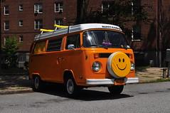 Happy Camper (Triborough) Tags: ny nyc newyork newyorkcity richmondcounty statenisland emersonhill vw volkswagen type2 camper van car רכב transporter