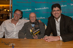 Vem pra Rua 20set2016-117 (BW Press) Tags: advogado autor dilmarousseff impeachment jurista livro manifestação matrix movimento paulista politica vemprarua
