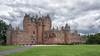 Glamis Castle #2 (bervaz) Tags: glamis castle castillo nubes clouds carlzeiss sony a7rm2 1635mm carlzeisssonnart escocia scotland schloss sel1635z