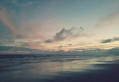 Playa Balneario Alvorada, RS, Brasil. (Andrés Bentancourt) Tags: coastal coastline coast beach vacations summer sand ocean water sea seascapes seaview seashore playa praia brazil brasil sky cloud clouds outdoors landscape