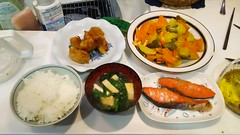 It is salted salmon and curry roasting s (Kanda Mori) Tags: friedchicken potato that i baked it is salted salmon curry roasting such spinach miso soup fried bean curd