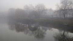 misty riverbank (Sundornvic) Tags: mist river severn shrewsbury shropshire water light blur trees bank clouds obscure