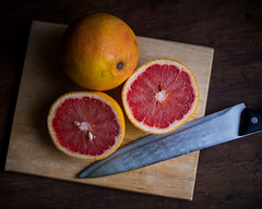 Grapefruit (5351) (TheHouseKeeper) Tags: thehousekeeper georgemateo mateo grapefruit fruits food citrus tropicalfruit subtropical