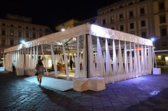 "notte di luci in piazza della repubblica • <a style=""font-size:0.8em;"" href=""http://www.flickr.com/photos/98039861@N02/18738922580/"" target=""_blank"">View on Flickr</a>"