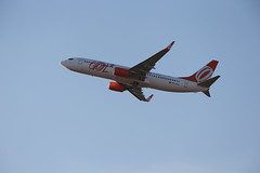 A46P0143.JPG (Henrique Taira) Tags: boeing gol planespotting 737800 voe sbbr jkairport