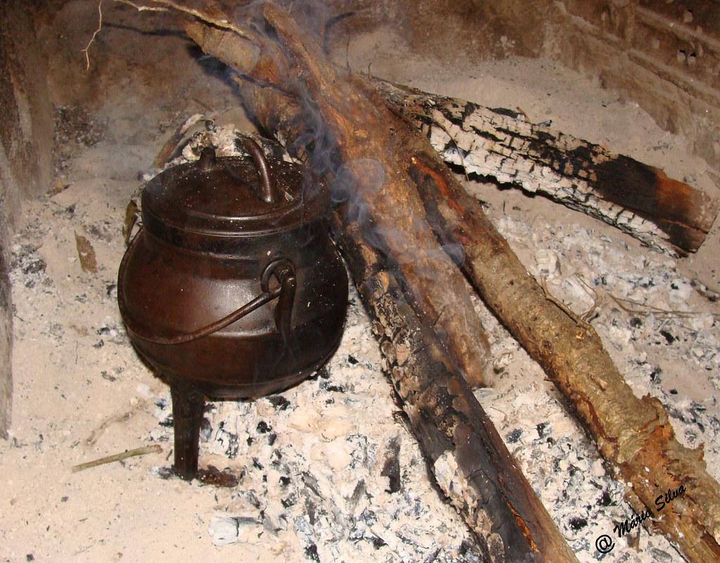 Águas Frias (Chaves) - ... pote ao lume mas ...o