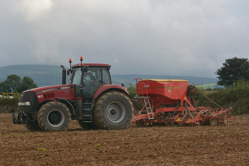 Case IH Magnum 335 Tractor with a Vaderstad Spirit 400C Seed Drill sowing Oil Seed Rape