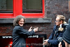 Gilbert puts the brick in place (James O'Hanlon) Tags: gilbert osullivan gilbertosullivan sullivan brick plaque cavern club pub mathew st award ceremony liverpool mathewst matthewst walloffame wall fame