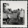 "Archiv K121 ""Aber so!"", 7. Juli 1940 (Hans-Michael Tappen) Tags: archivhansmichaeltappen knickerbocker familienfoto sommerkleidung haarzopf mode fashion sommermantel gruppenfoto fotorahmen 1940s 1940 1940er outfit zicklein tierfoto tier"