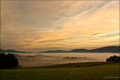 Fog in the valley  -  explore (Rita Eberle-Wessner) Tags: landschaft landscape fog nebel himmel sky clouds wolken sunrise sonnenaufgang hügel hills wiese meadow weide orange golden herbst autumn odenwald wow