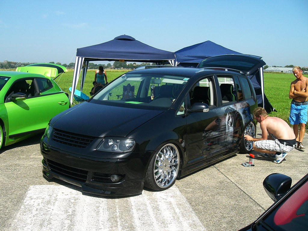 VW Touran 911gt2rs Tags Mivw Meeting Treffen Show Event Low Stance Tief Tuning