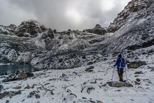 2016-10-11 - Renjola Gokyo Everest BC trek - Day 08 - Lumde to Gokyo over Renjo La Pass - 092211.jpg