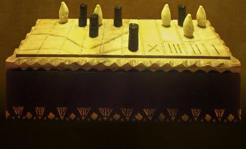 "Senet - Lujoso sistema de objetos lúdicos obsequio del dios Toht a la faraona Nefertari • <a style=""font-size:0.8em;"" href=""http://www.flickr.com/photos/30735181@N00/32521948965/"" target=""_blank"">View on Flickr</a>"