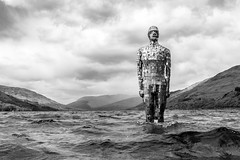 The Man of Loch Earn (Neo7Geo) Tags: wet statue sony rob rico mulholland lochearn scoland ricorodriguez robmulholland neo7geo