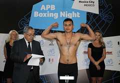 09/06/2015 APB Cycle I Round 1 Weigh In Light Welter (64 Kg) Mexico City, Mexico (aibaproboxing) Tags: mexico apb boxing round1 aiba 64kg cyclei lightwelter aibaproboxing