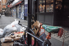 20161207T14-31-43Z-DSCF9098 (fitzrovialitter) Tags: fitzrovia fitzrovialitter camden westminster rubbish litter dumping flytipping trash garbage london urban street environment streetphotography westend peterfoster documentary fuji x70 fujifilm captureone geosetter exiftool geotagged england gbr unitedkingdom westendward geo:lat=5151929100 geo:lon=014030000