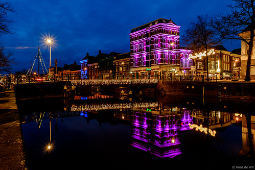 Poelebrug at night