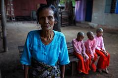 Portrait - Pakokku, Myanmar (Maciej Dakowicz) Tags: asia myanmar pakokku buddhist monastery nunnery nuns portrait