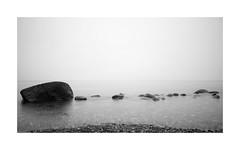MARE TRANQUILLITATIS (derkleinebiber) Tags: mare tranquillitatis tranquility ruhe minimalist minimalism minimalismus felsen küste coast ostsee ostseeküste balticsea blackandwhite 16x9 fineart landscape seascape