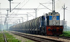 LKO [Lucknow] WDM3D # 11129 (CHIRAG SAGAR) Tags: moving power varanasi hulk towards freight lucknow bsb nrs jn lko 11129 wdm3d btpn