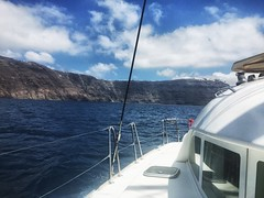 #catamaran #boat #Santorini  #greece (lelobnu) Tags: boat santorini greece catamaran