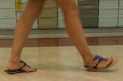 Street feet (261) (I Love Feet & Shoes) Tags: street sexy feet stockings pie shoes highheels sandals tights lingerie heels ps huf hoof bas pieds mules pantyhose schuhe casco piedi meias medias scarpe sandalias chaussures sapatos sandlias zapatillas sandalen  sandales  sabot sandali  strmpfe    calcanhares  fse