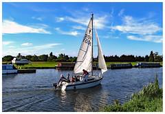 Summer Memories G16 466 (Davey's Shots) Tags: g16 sailingdingy rivercam cambridgeshire cambridge narrowboats moorings
