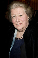 Patricia Routledge (menderre) Tags: theatre westend noelcowardtheatre enron arrivals london gbr
