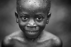 Togo: après le bain. (claude gourlay) Tags: togo afrique africa claudegourlay portrait retrato ritratti face enfant child noiretblanc blackandwhite nb bw