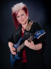 Jennifer Batten (bdebaca) Tags: jennifer batten jenniferbatten washburn guitars guitar guitarplayer player musician musico guitarrista guitarramx