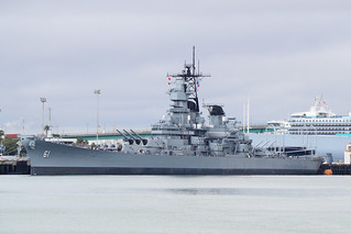 USS Iowa, BB-61 (1)
